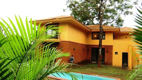 Goa villas with sea view for sale villas in goa for Donasea villas 7