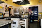 Kitchen & Bakery